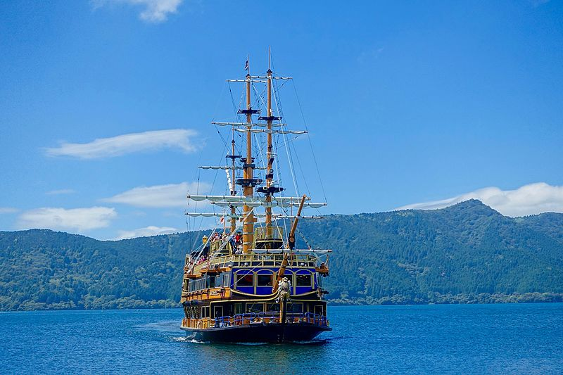 hakone_pirate_ship_-_hakone_japan_-_dsc05216